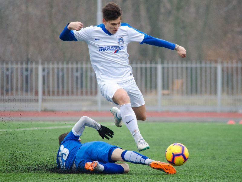 МФК «Николаев» с разгромным счетом обыграл своих дублеров и «Варваровку»
