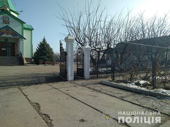 На Николаевщине обворовали Свято-Варваринский храм: вынесли церковные награды, технику и еду