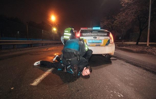 В Киеве водитель после ДТП грозился изнасиловать полицейских (18+)
