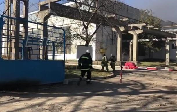В Крыму пожар на заводе пластмасс