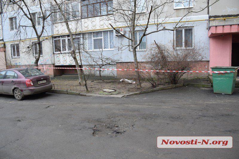 В Николаеве пенсионер выбросился с девятого этажа