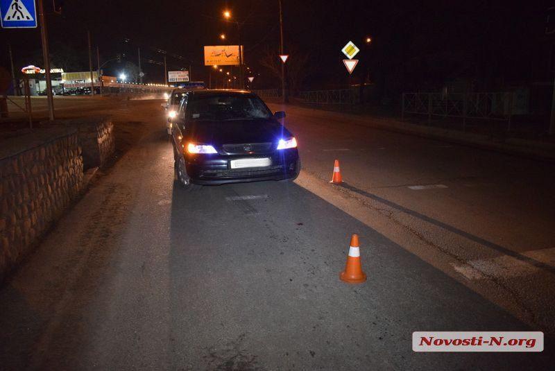 В Николаеве возле нового «Эпицентра» водитель «Опеля» сбил женщину с ребенком