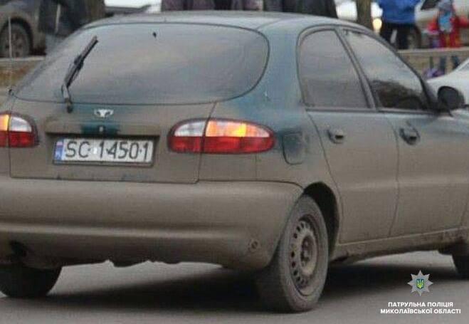 """В Николаеве полиция разыскивает водителя на """"евробляхах"""", который скрылся с места ДТП"""