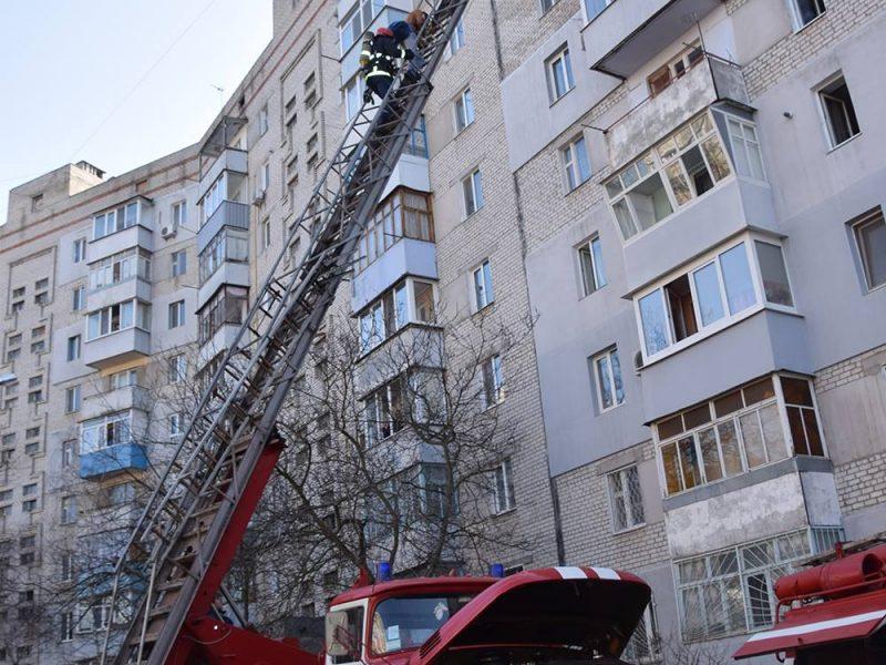Оставшаяся из-за пожара без тепла и света девятиэтажка в Николаеве: первоочередные шаги решения проблемы определены, теперь ищут финансирование