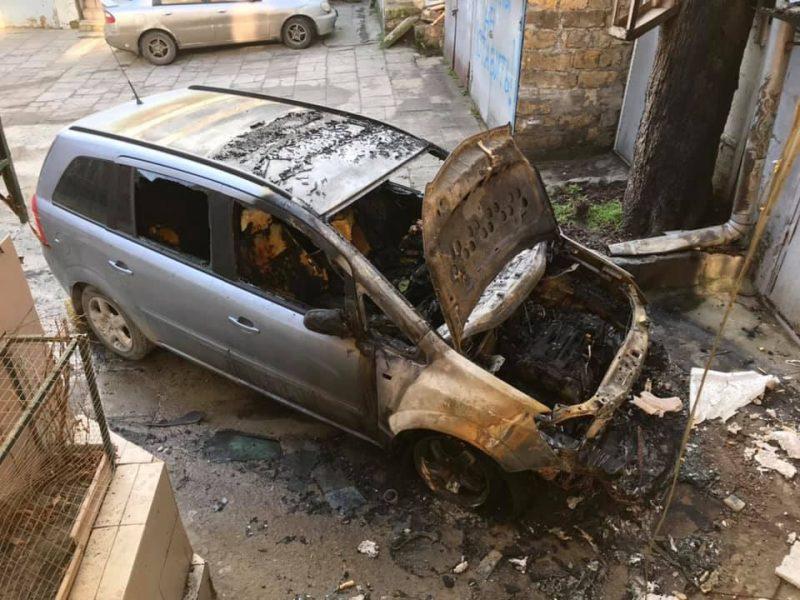 В Одессе сгорел автомобиль участника протестов против застройки города