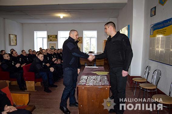 Николаевских полицейских-спецназовцев отметили наградами Президента за участие в АТО