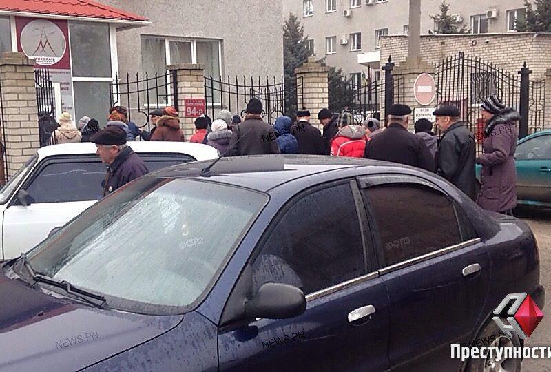 На Николаевщине после смены поставщика электроэнергии в филиалах облэнерго возникли огромные очереди