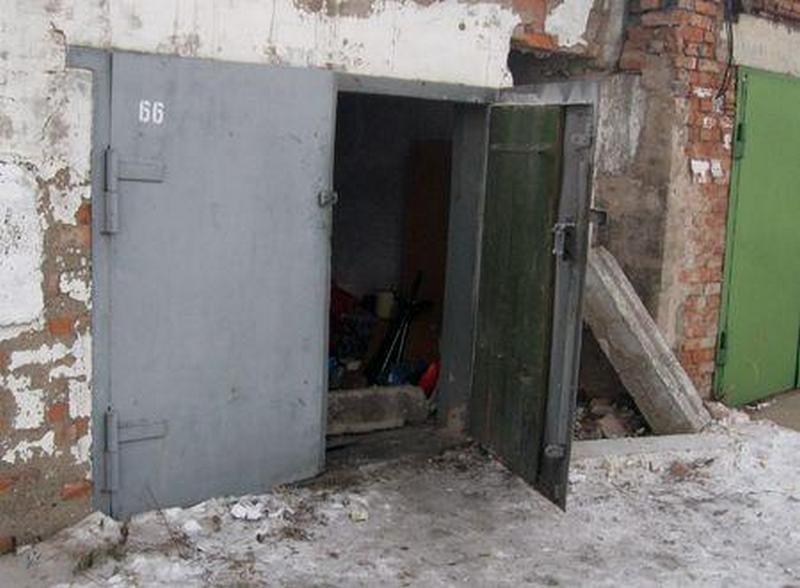 В Николаеве полицейские «повязали» трех молодчиков, «специализирующихся» на кражах из гаражей