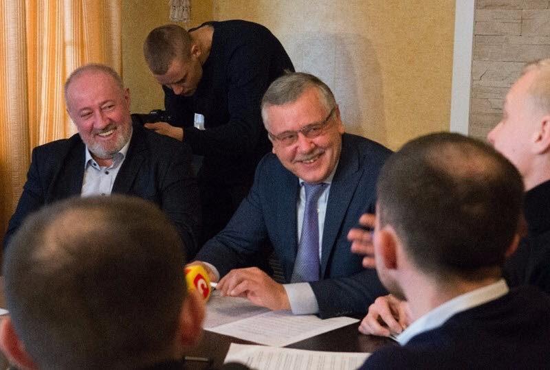 В штабе Гриценко нашли 5 прослушивающих устройств