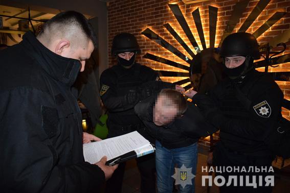 В Николаеве задержали растлителя со стажем, продававшего мальчиков таким же извращенцам