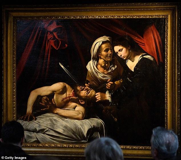 Картину Караваджо «Юдифь и Олоферн», которую нашли пять лет назад на чердаке дома во Франции, выставили в Лондоне