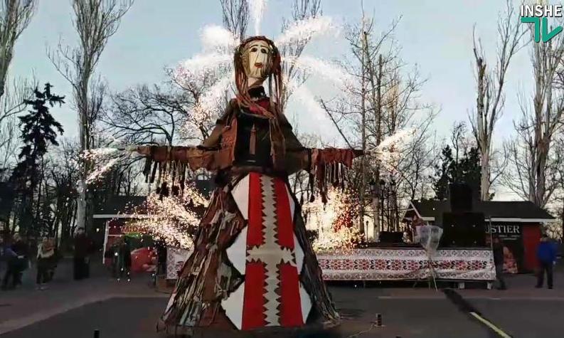 В Николаеве зиму проводили… фейерверком