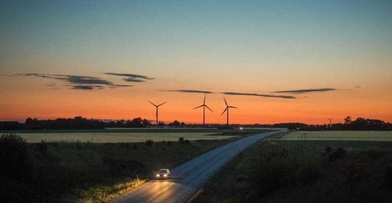 Этим летом в Испании построят новую дорогу из… отслуживших ветрогенераторов