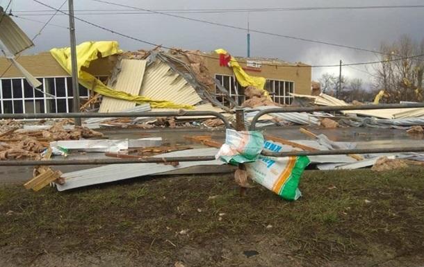 Несколько минут урагана погрузили Чернигов в коллапс