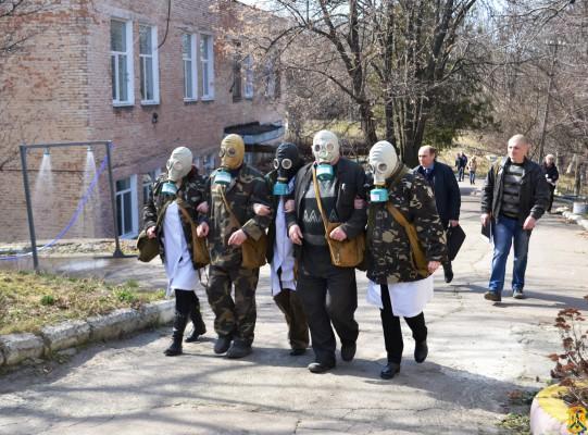 В Первомайске спасатели отработали учения на случай циклона и утечки хлора