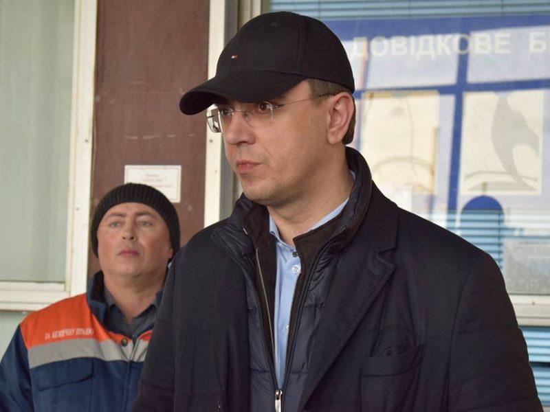 Министр инфраструктуры в Николаеве: Омелян побывал в Николаевском аэропорту и проверил ремонт туалета на железнодорожном вокзале