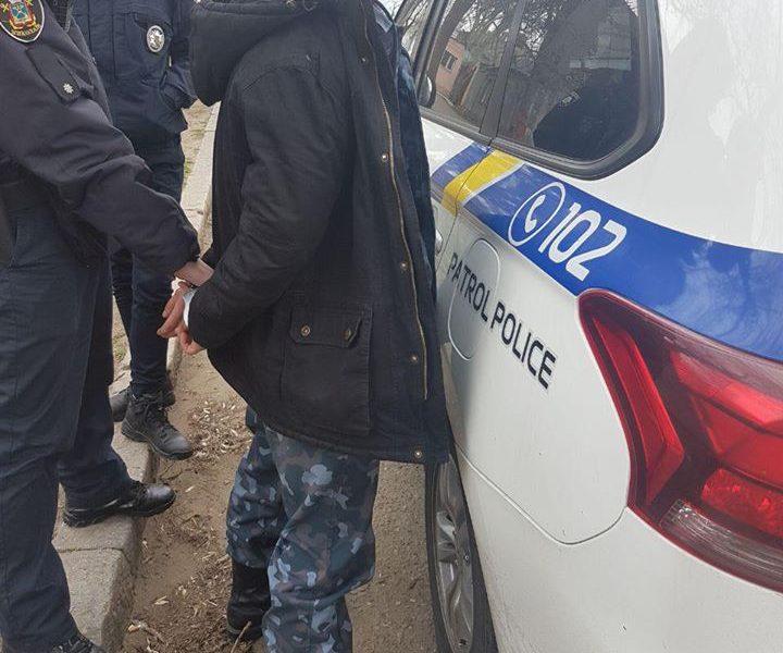 В Николаеве 25-летний мужчина ограбил ребенка