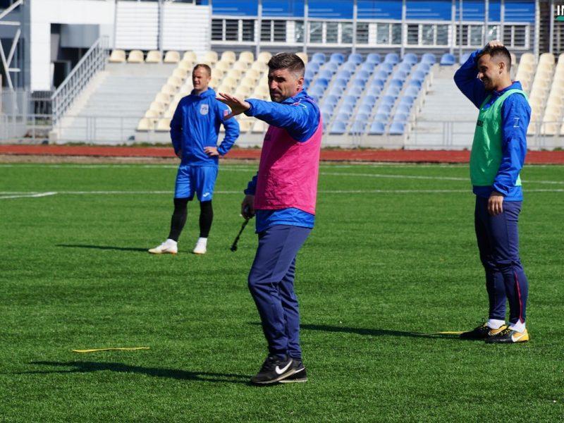 «Я приверженец того, чтобы играть первым номером»: Новый наставник МФК «Николаев» провел открытую тренировку и рассказал, как изменится стиль команды