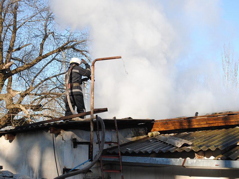 В Николаеве из-за масляного радиатора загорелось одноэтажное здание
