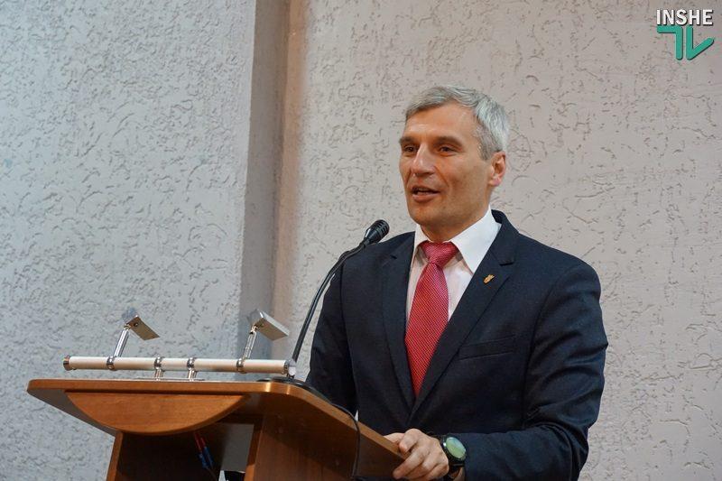 «Давайте уберем слово «избиратель» – это работодатель» – Руслан Кошулинский посетил Николаев
