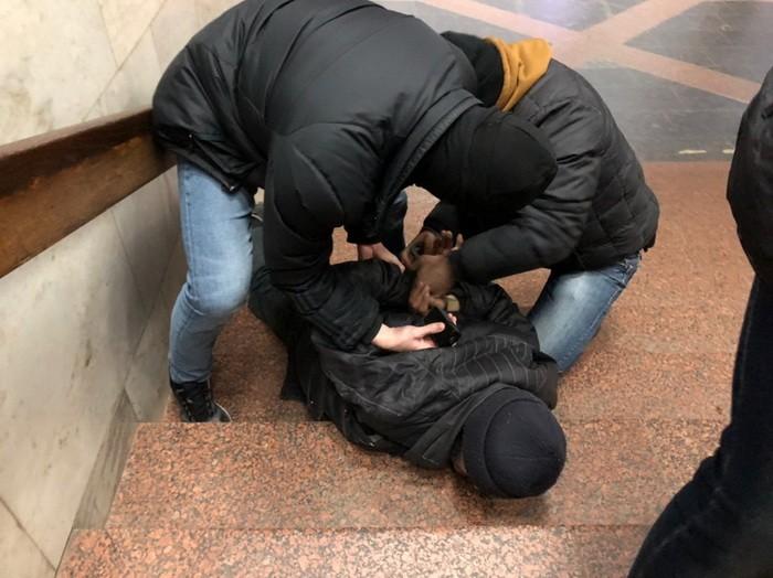 Харьковчанин хотел совершить теракт в метро, его задержали после установки взрывчатки – СБУ