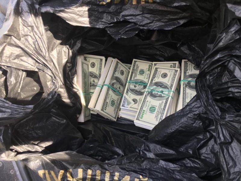 Мошенник взял взятку в $0,5 млн., прикрываясь именами Луценко и Матиоса