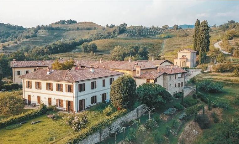 7 млн.евро: в Италии выставили на продажу деревню