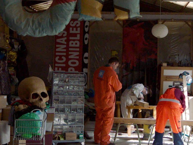 Как группа жителей Мадрида превращает мусор в произведения искусства