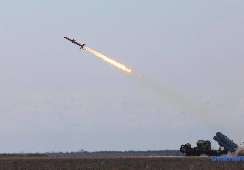 """В Украине успешно испытали комплекс крылатых ракет """"Нептун"""""""