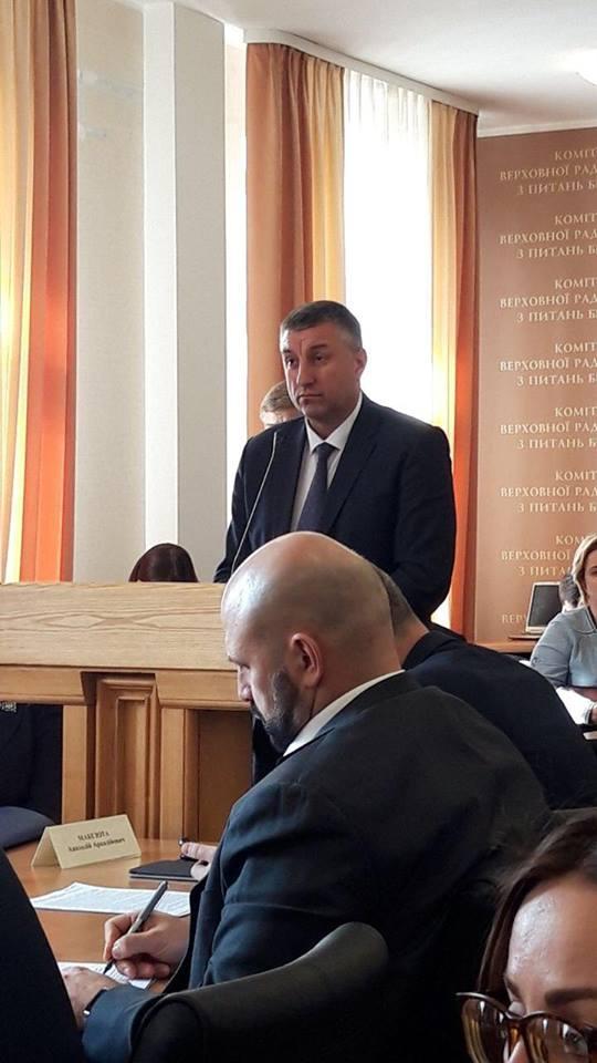 Николаевская область в этом году получит на ремонт местных дорог 370 млн.грн. 5