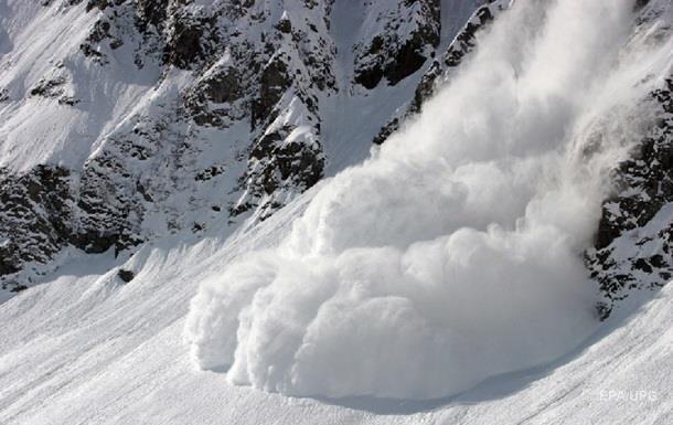 В Канаде погибли три альпиниста в результате схода лавины