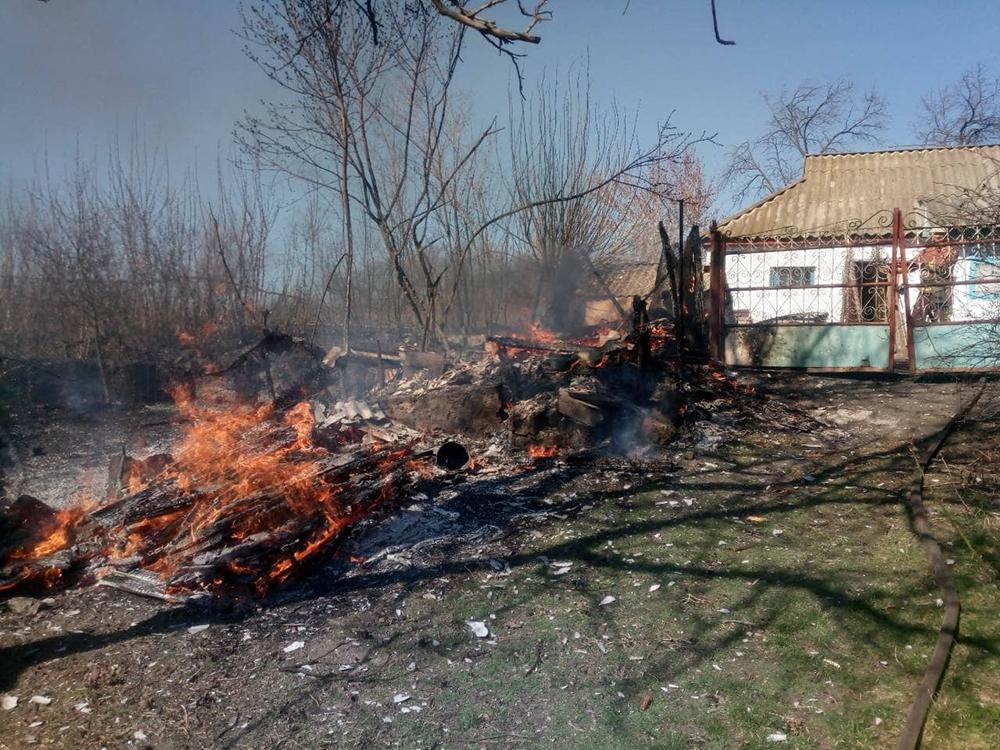 На Николаевщине за сутки тушили 2 хозпостройки 7