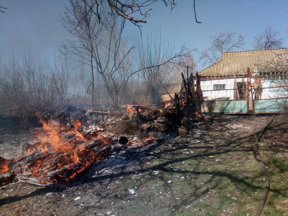 На Николаевщине за сутки тушили 2 хозпостройки 13