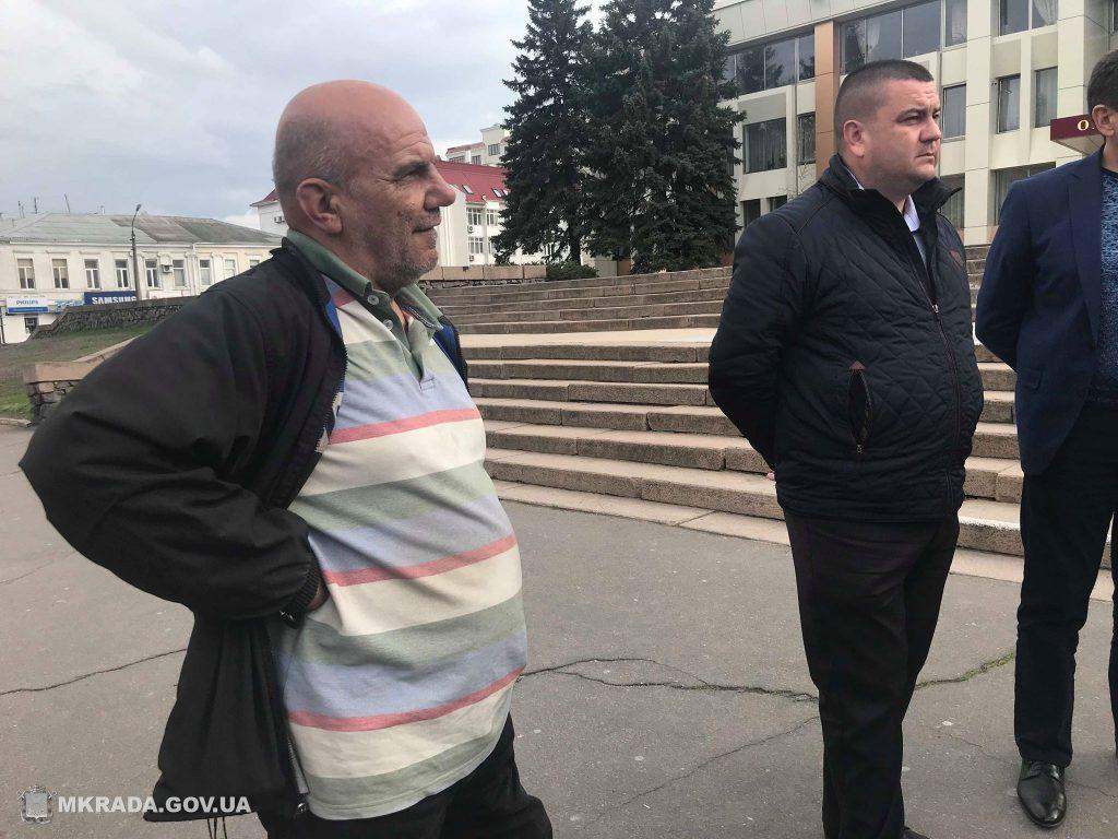 Николаевский маршрутчик, нагрубивший пенсионерке, теперь будет ездить с табличкой «Водитель уважает льготников» 5