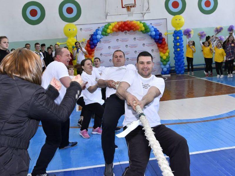 Первомайские школы соревновались за 350 000 гривень