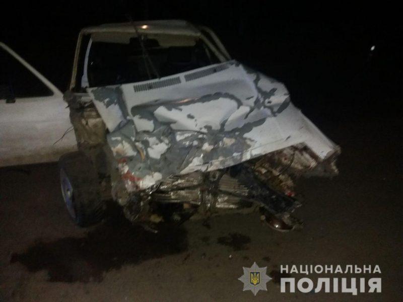 В Вознесенском районе пьяный водитель врезался в грузовик. Погиб 20-летний пассажир