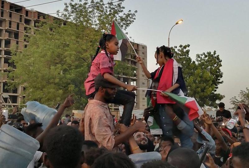 Военный переворот в Судане: президента страны отстранили от должности