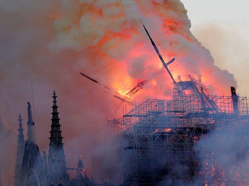 Один из богатейших людей мира выделил на восстановление собора Нотр-Дам 200 миллионов евро