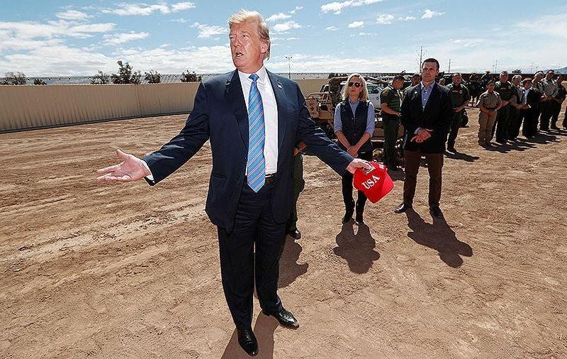 Власти 20 штатов подали в суд на президента США Дональда Трампа из-за планов строительства стены на границе с Мексикой