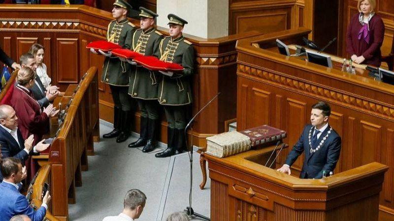 Зеленский заявил о готовности предоставить гражданство всем украинцам на планете