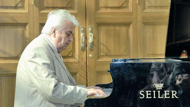 Умер композитор Евгений Крылатов, автор песен «Три белых коня» и «Прекрасное далёко»