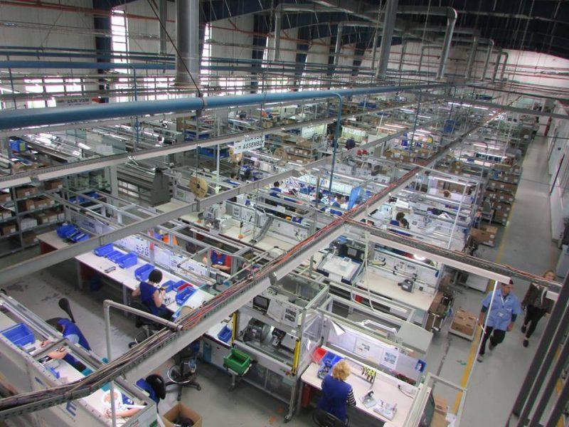 Крупный американский инвестор закрывает завод в Украине. Виноваты электрокары?