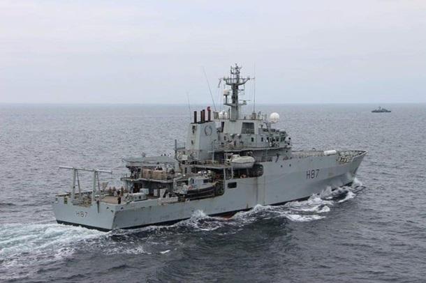 Украинский катер и британский корабль провели учения в Черном море