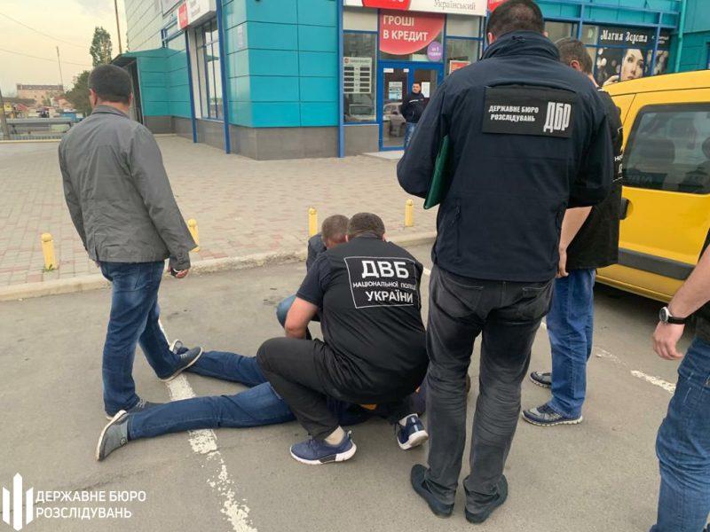 На Николаевщине задержали следователя Нацполиции, который обещал за 26 тысяч «решить» вопрос гражданки (ФОТО)