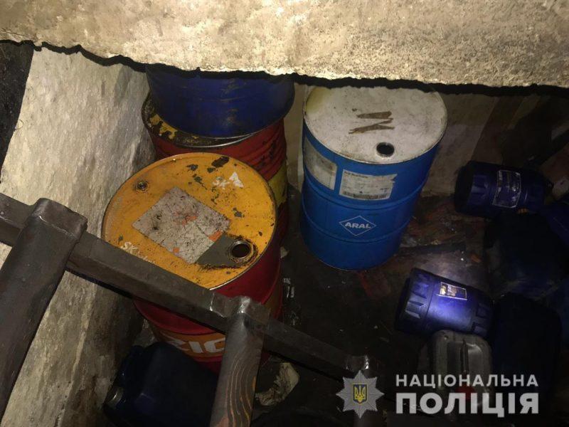 В Николаеве задержали группу воров дизтоплива на железной дороге, в которую входили и машинисты тепловозов (ФОТО, ВИДЕО)
