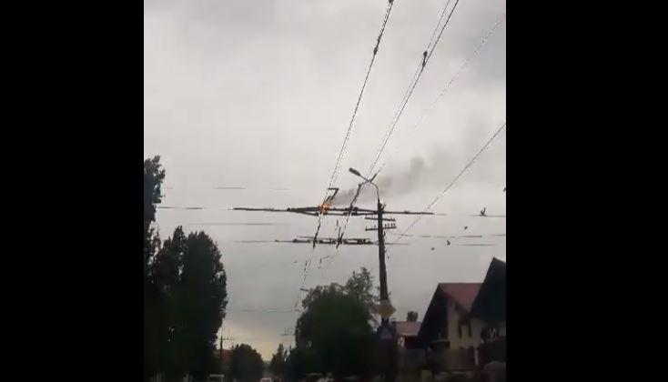 В Николаеве загорелась контактная троллейбусная сеть (ВИДЕО)