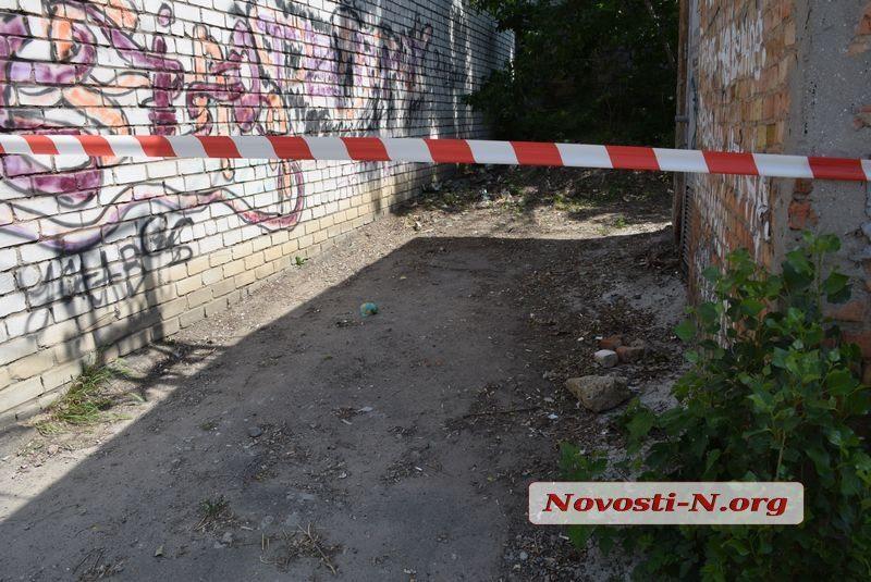 В Николаеве во дворе дома по 5-й Слободской разлили ртуть (ФОТО)