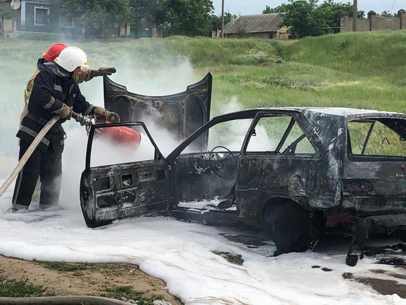 В Новой Одессе сгорел ЗАЗ – водитель уцелел (ФОТО)