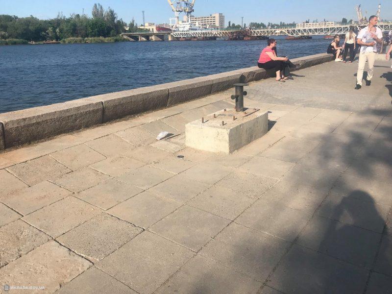 В Николаеве ликвидировали провал на Нижней набережной (ФОТО)