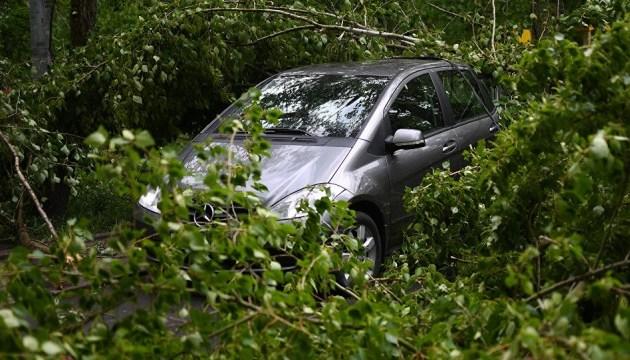 Молдову накрыл ураган и ливни, подтоплены дома и дороги (ВИДЕО)